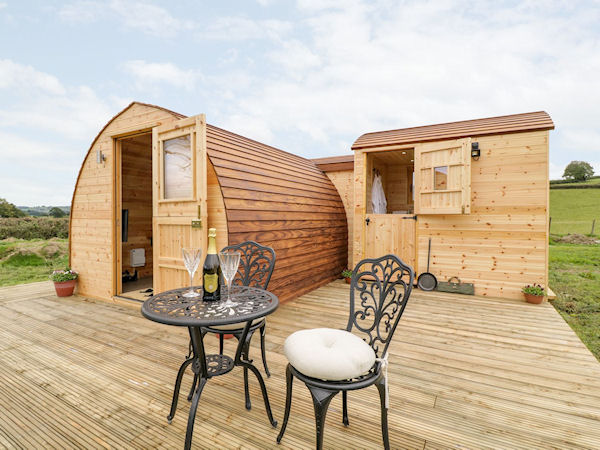 Banwy Glamping Pods - Glamping Holidays Powys Mid Wales