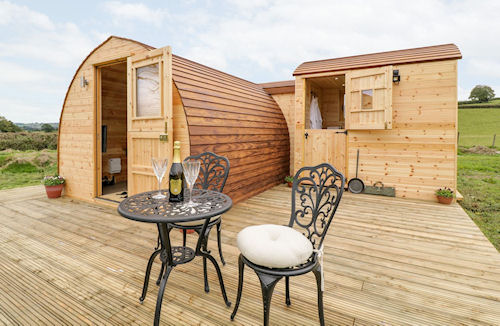 Banwy Glamping Pods - Glamping Holidays